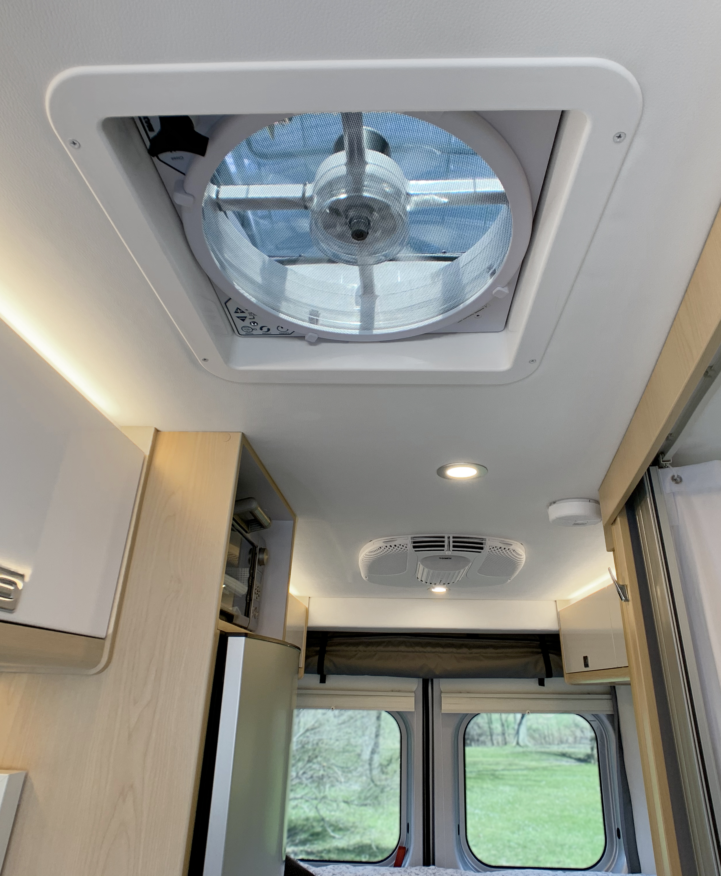 Panoramic RV - Air conditioning and ventilation