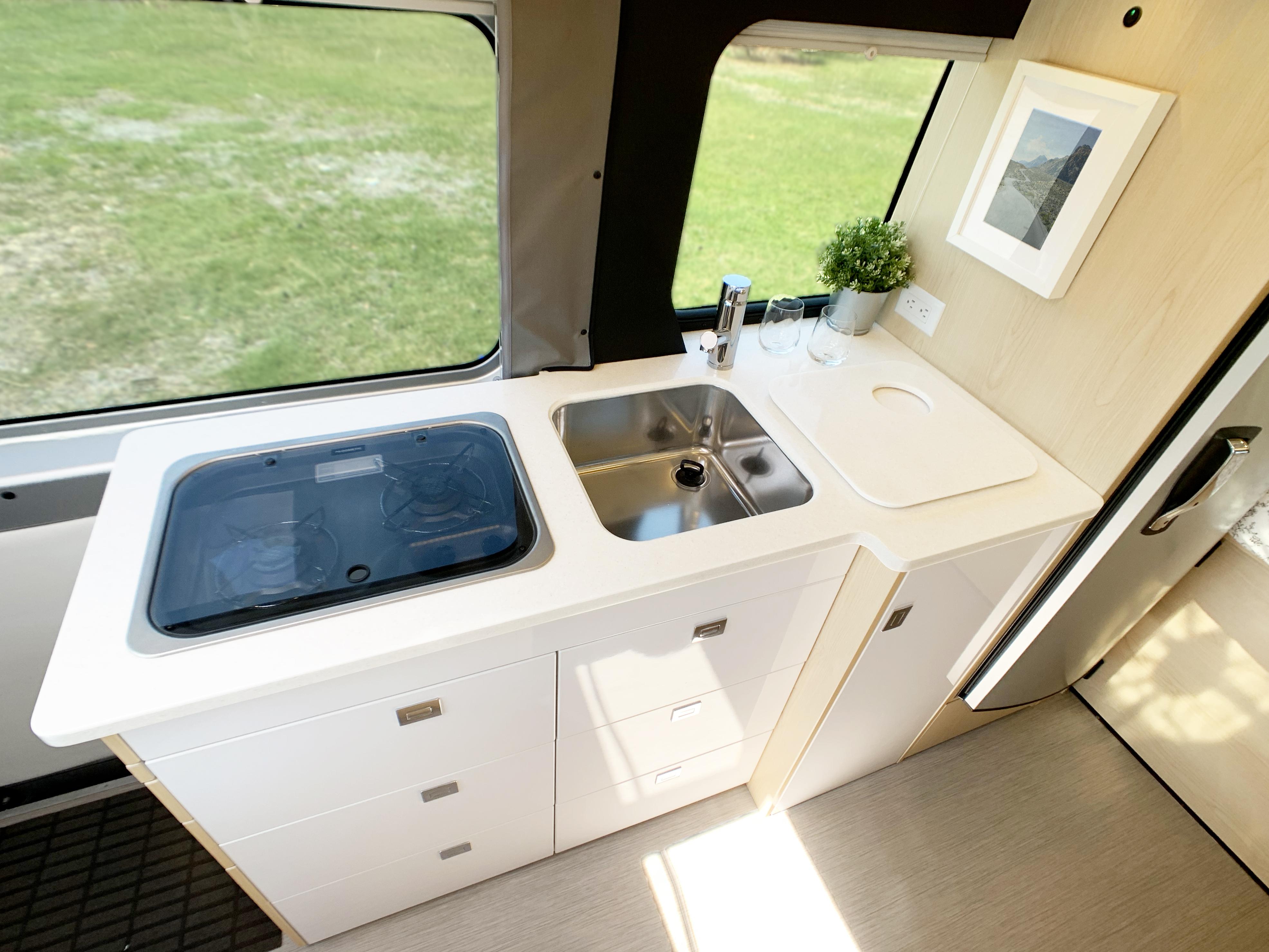Panoramic RV - Equipped kitchen 1