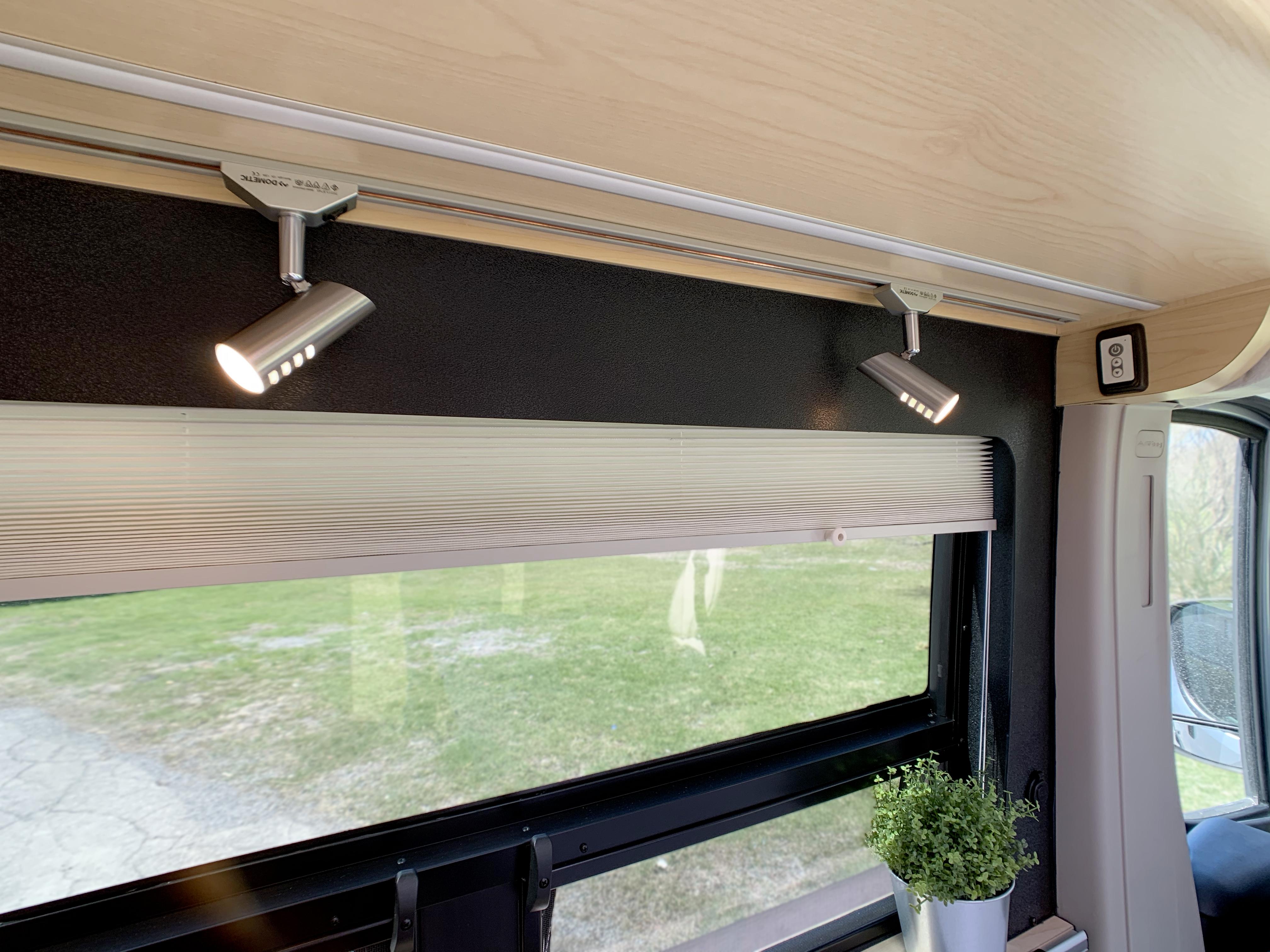 Panoramic RV - Reading lights