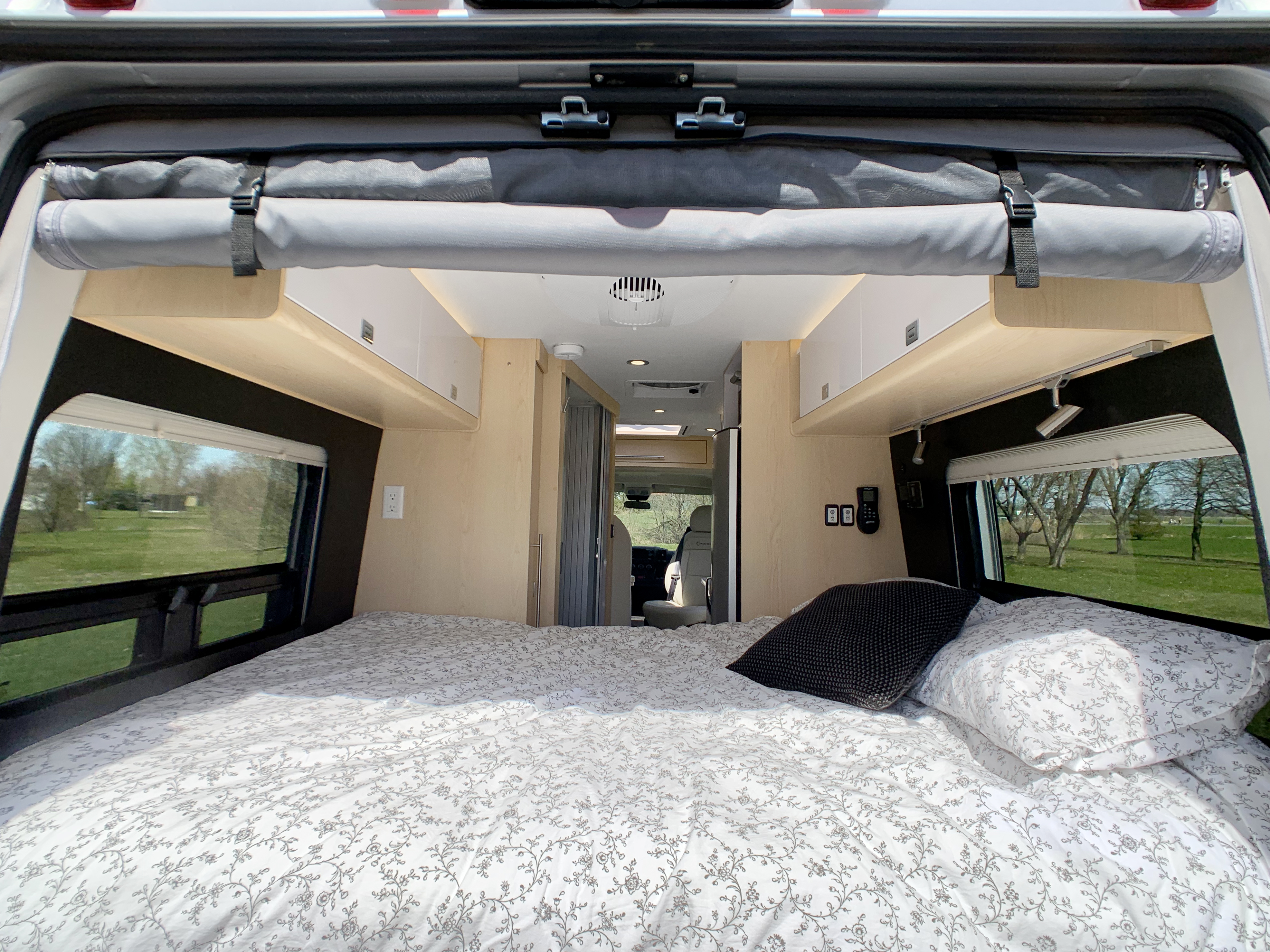 Panoramic RV - Permanent bed 1