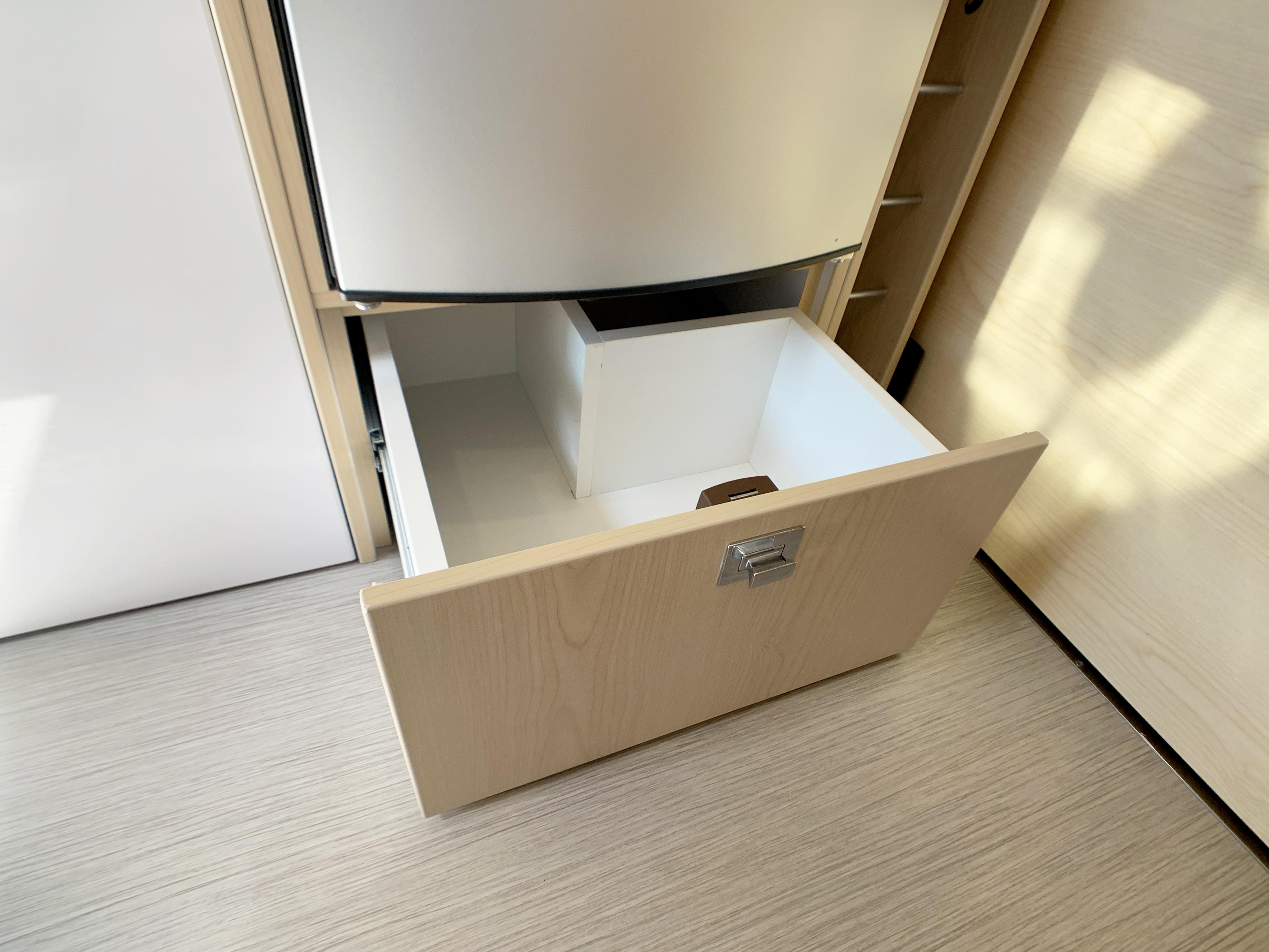 Panoramic RV - Fridge drawer